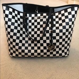 Micheal Kors black and white tote